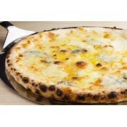 【イタリアンピザ】クワトロフォルマッジォ ピザサイズ22センチ